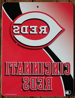 Licensed MLB Plastic Sign Cincinnati Reds Wall Decor Basebal